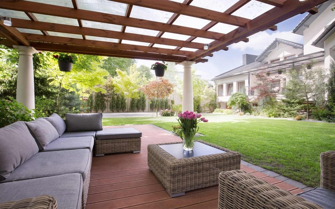 Advantages of Composite Decking Over Wood