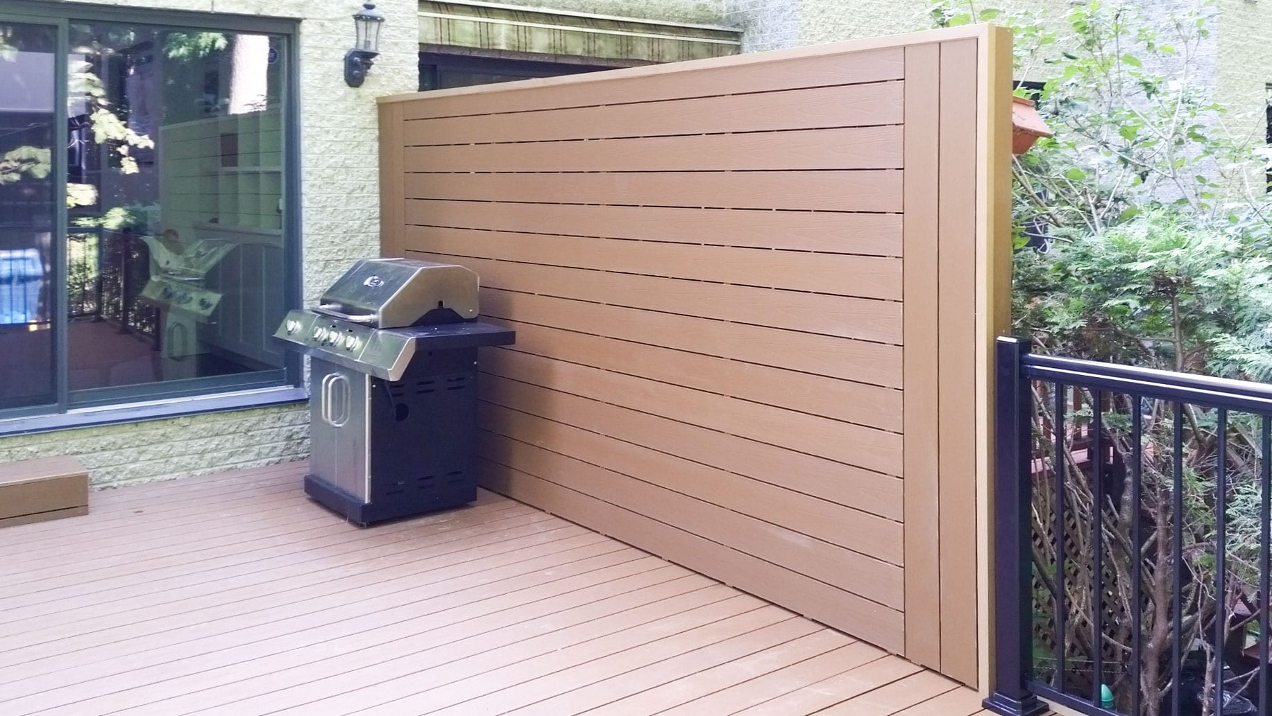 Composite Fencing Montreal | Plastio Composite Fence Montreal